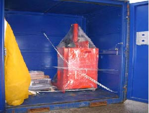 This item is secured in an inadequate manner (nylon strapping) for its weight and value