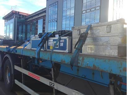 Items loaded directly onto a trailer with no pallets (making further manual handling by yard crew necessary)